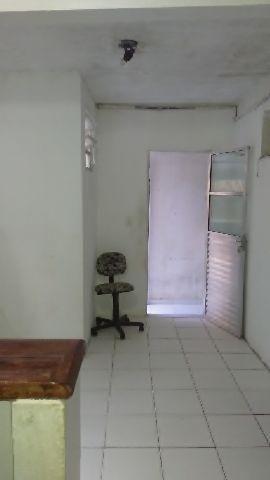 Casa com 1 quarto,sala,cozinha americana,área de serviço e 1 banheiro