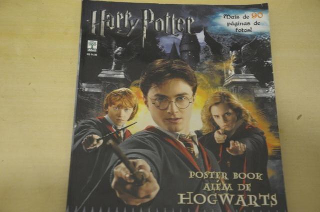 Harry Potter - Posterbook - Além de Hogwarts