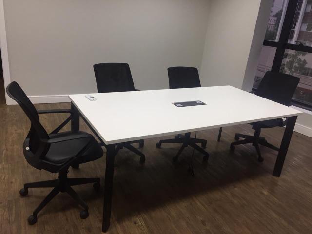 Mesa de Reuniões Top de Linha - Marca Funcional, 6 pessoas - Foto 2