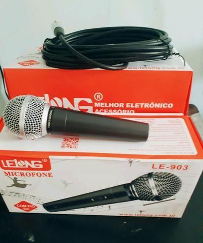 Microfone com fio - profissional