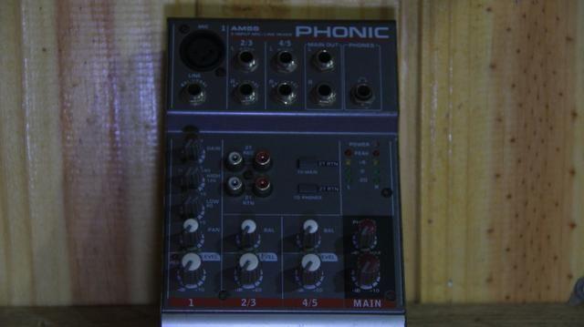 Mesa Do Som Phonic Am55 Com Fonte - Foto 2