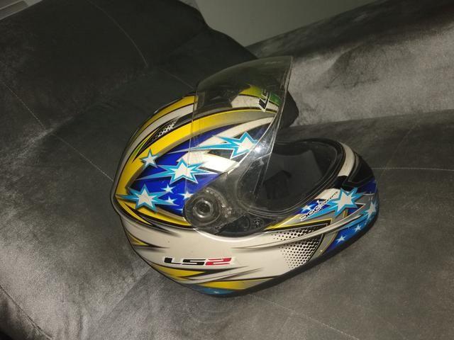Vendo capacetes aceito cartão crédito e débito - Foto 5