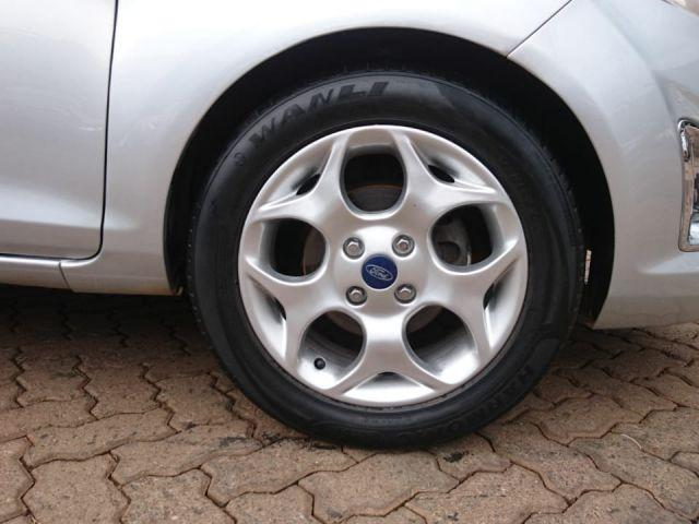 Fiesta Sedan SE 1.6 16V Flex 4p - Foto 4