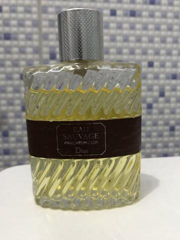 8eef0241fd Perfume Dior Eau Sauvage Masculino Eau de Toilette 100ml - Beleza e ...