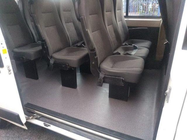 Peugeot Boxer 2.3 Minibus 15/16L TB Diesel - Foto 9