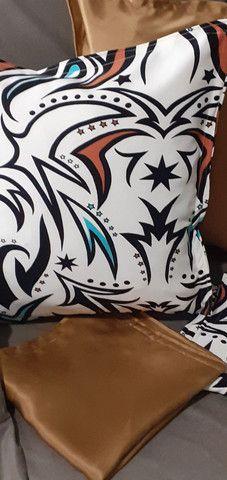 Kit de 05 almofadas decorativas completas capa e enchimento individual com zíper  - Foto 4