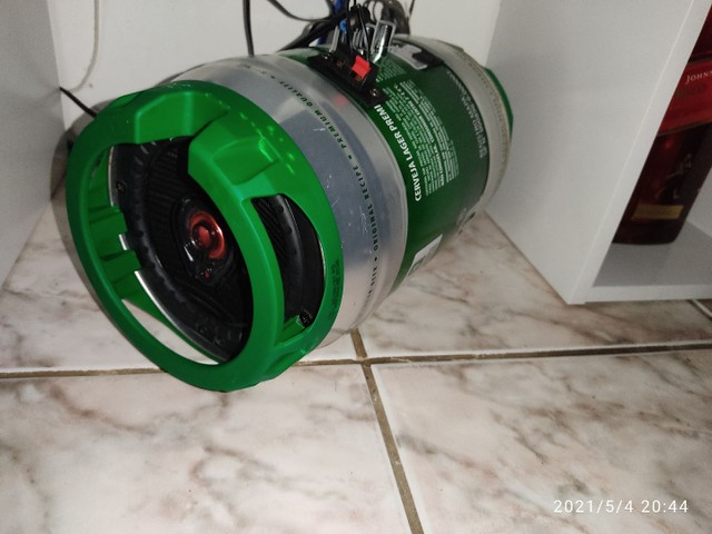 Barril Heineken-SOM 200W RMS com sub . - Foto 4