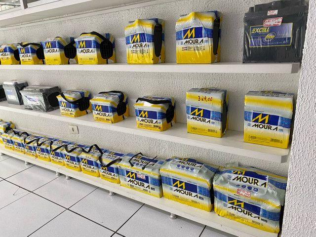 Bateria moura 40ah garantia 18meses a base de troca  - Foto 3