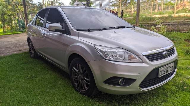Focus Sedan GLX 2.0