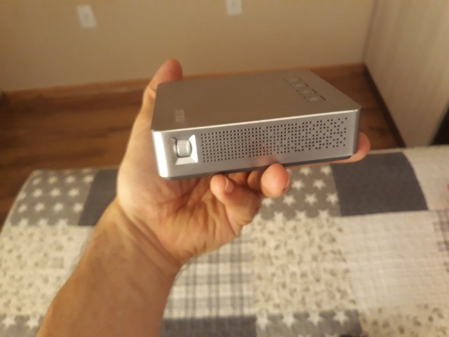 Projetor LED portátil Asus S1 - Foto 5