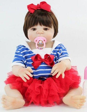 Bebê reborn boneca silicone menina retirada em CG