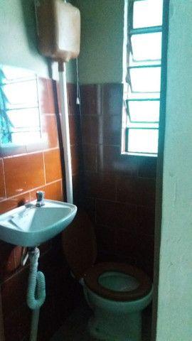 Alugo casa no alto da serra de 1 quarto, sala cozinha, banheiro e área - Foto 8