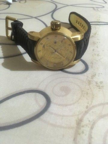 Relógio invicta yakuza banhado a ouro