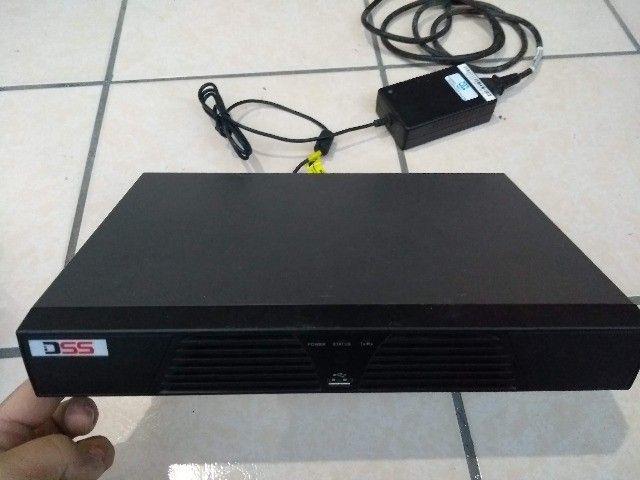 Gravador DVR Dss para 8 câmeras (acompanha 2 câmeras)