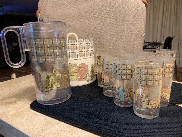 jarra, 10 copos e balde de gelo em acrílico. em bom estado de conservação - Foto 5