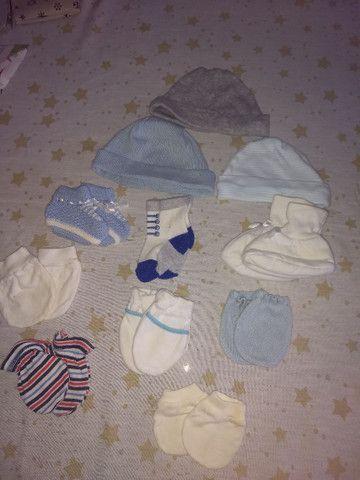 Meias, sapatinhos, luvas e chapéus R$10