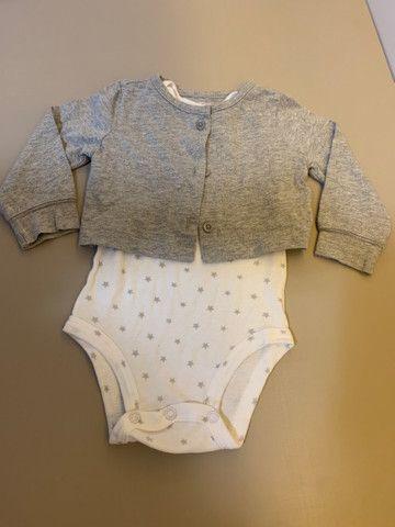 Lote de roupas bebe tamanho 6 meses - Foto 3