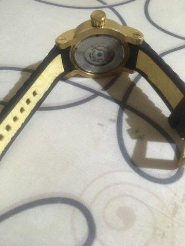 Relógio invicta yakuza banhado a ouro  - Foto 2