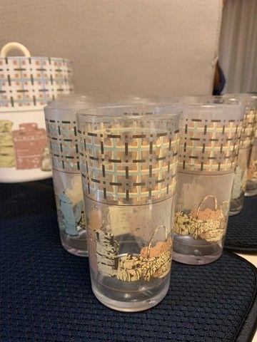 jarra, 10 copos e balde de gelo em acrílico. em bom estado de conservação