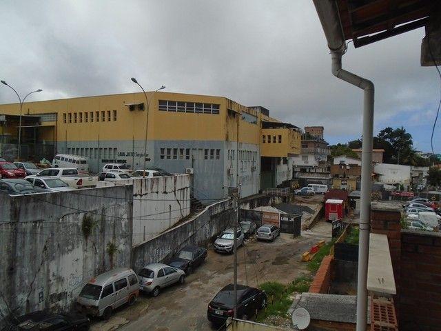Apartamento para alugar com 1 dormitórios em Pernambues, Salvador cod:27066 - Foto 2