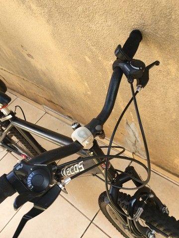 Montain Bike aro 26 Cambio Shimano - Foto 3