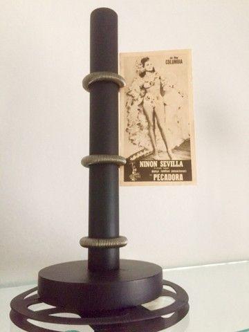 Porta retrato madeira com figuras lendárias do cinema antigo  - Foto 5