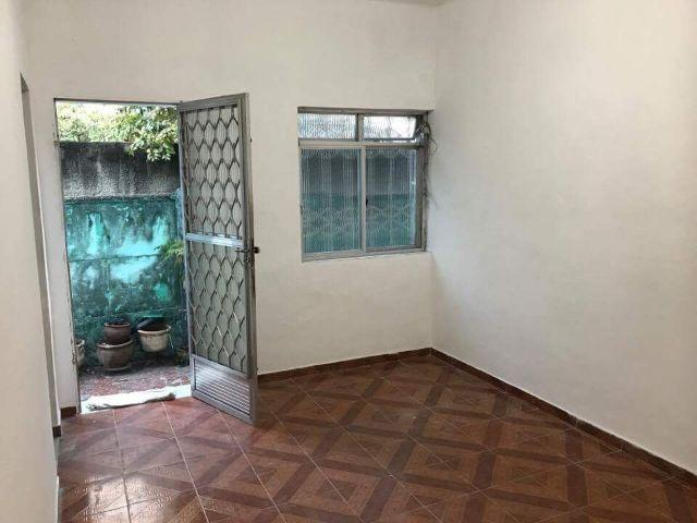 Rua Sen. Mourão Vieira - Ramos, Apartamento de quarto, sala cozinha e área