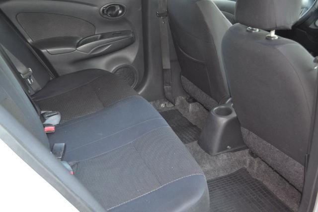 Nissan Versa 1.6 SUV 2013 - Foto 8