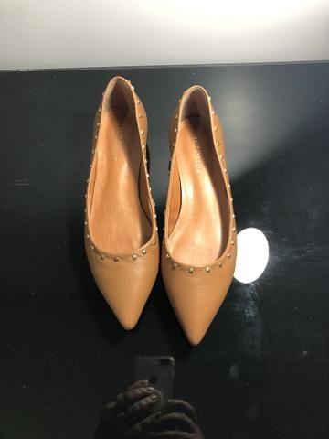 Sapato em couro Luz da Lua novo