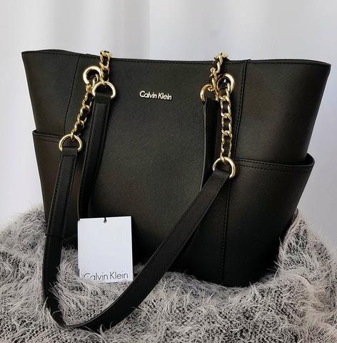 b0c90e3127edd Bolsa Calvin Klein Preta de Couro Original e Nova