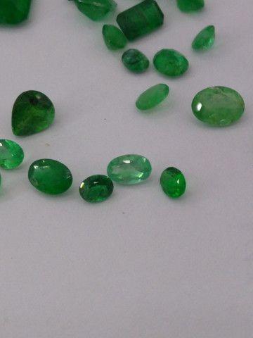 Pedras preciosas esmeraldas