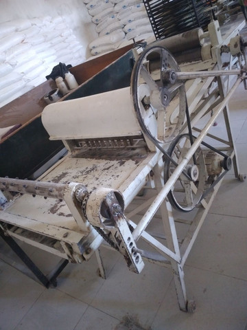 Maquina de cortar bolacha usada - Foto 3