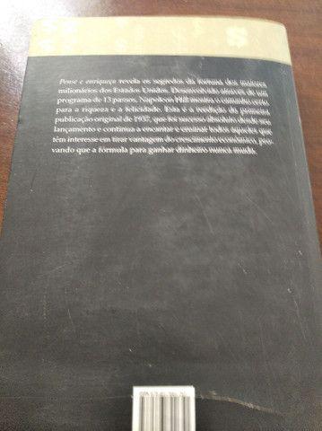 Livro Pense e Enriqueça ( usado ) - Foto 2