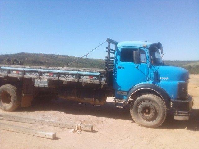 Caminhão 1113 carroceria - Foto 2