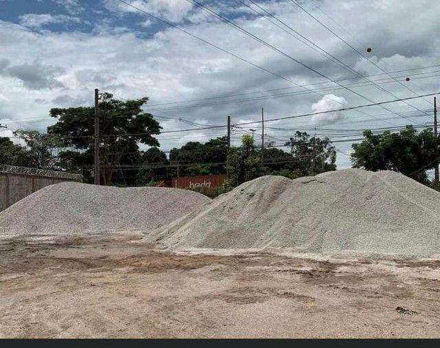 Vendas de: areia fina, areia média , brita 1, brita 2, pedrisco(Brita 0), - Foto 3