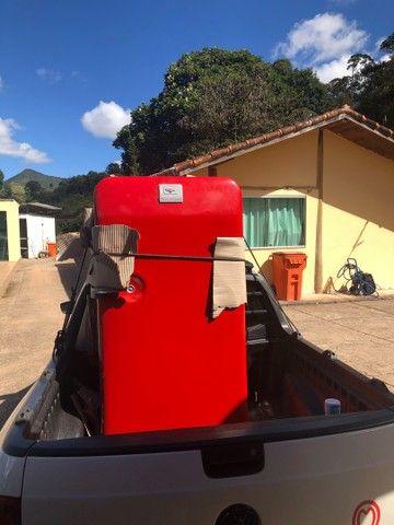 Vendo geladeira antiga Frigidaire 220vts - Foto 2