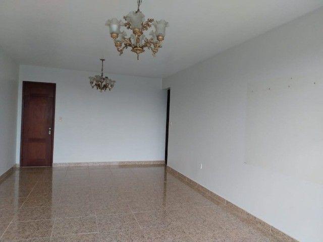 R$ 2 mil  loco apartamento Sandra Heloisa centro de Castanhal tem elevador - Foto 3