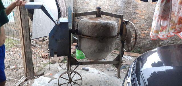 Vendo Bitorneira 250 litros - Foto 4