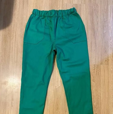 Fardamentos Calças pijamas verde e calças sociais - Foto 5