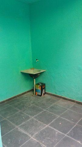Alugo casa no alto da serra de 1 quarto, sala cozinha, banheiro e área - Foto 7