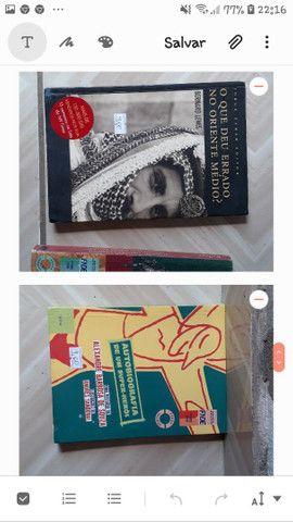 Livros baratos cada um por 4 reais - Foto 2