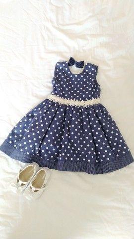 Vestido de festa azul de poá branco para bebê
