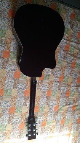 Vendo violão completo com afinador automático bem conservado  - Foto 2