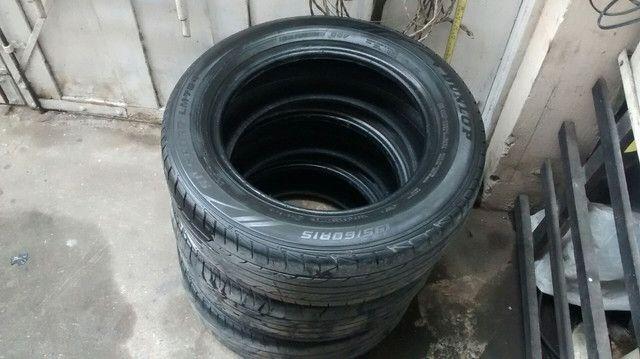 Pneus usados Dunlop(03) unidades apenas.Medidas: 195/60r15 - Foto 2