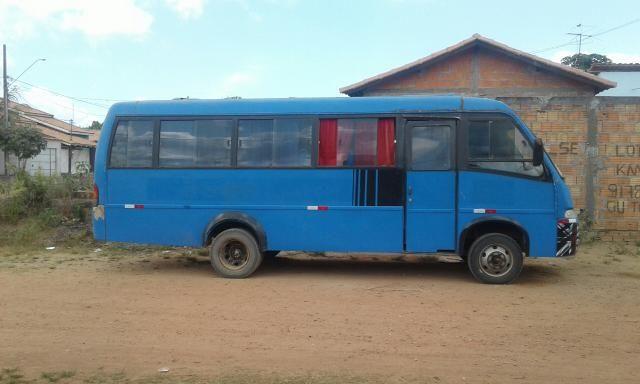 Vendo ou troco micro ônibus - Foto 2
