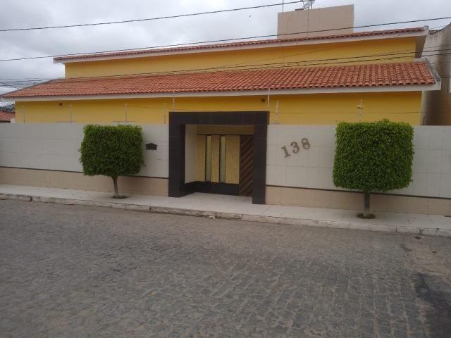 Casa no Bairro Universitário, 4 quartos!