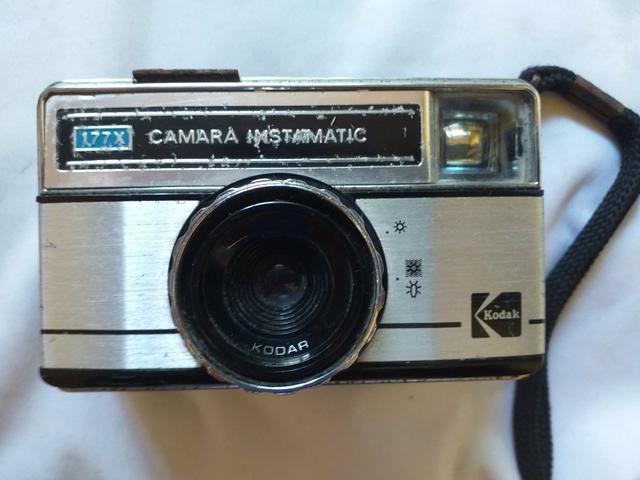 Rara e antiga Câmera Fotográfica Kodak Instamatic 177× (Itajaí)