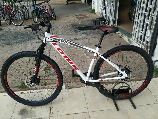 Bicicleta 29 Lotus Branco Vermelho Shimano