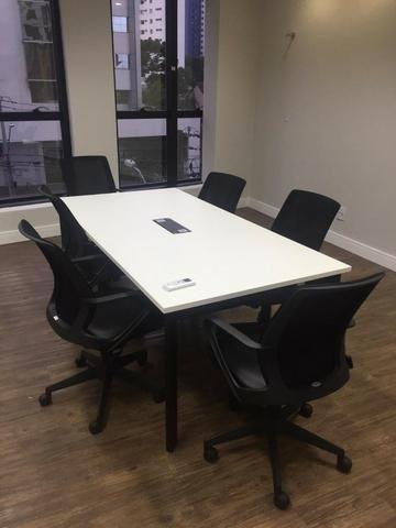 Mesa de Reuniões Top de Linha - Marca Funcional, 6 pessoas