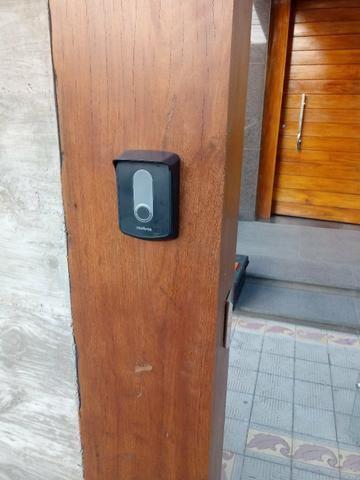 Interfone Intelbras com telefone sem fio instalado